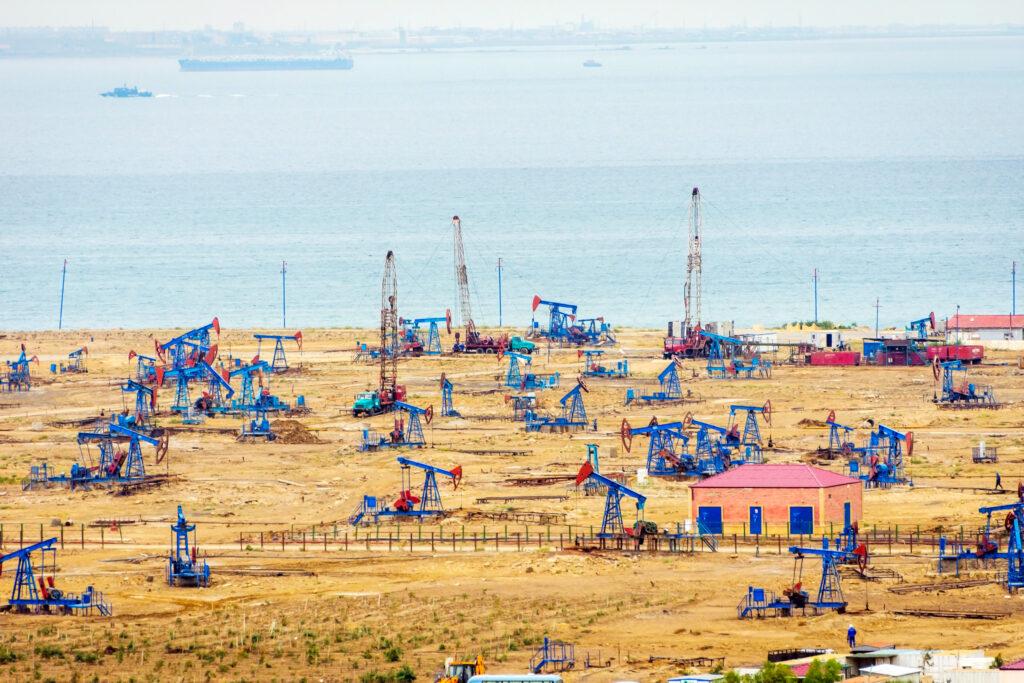 20180126 azerbaijan oil pumps and rigs at the field by caspian sea near baku 1