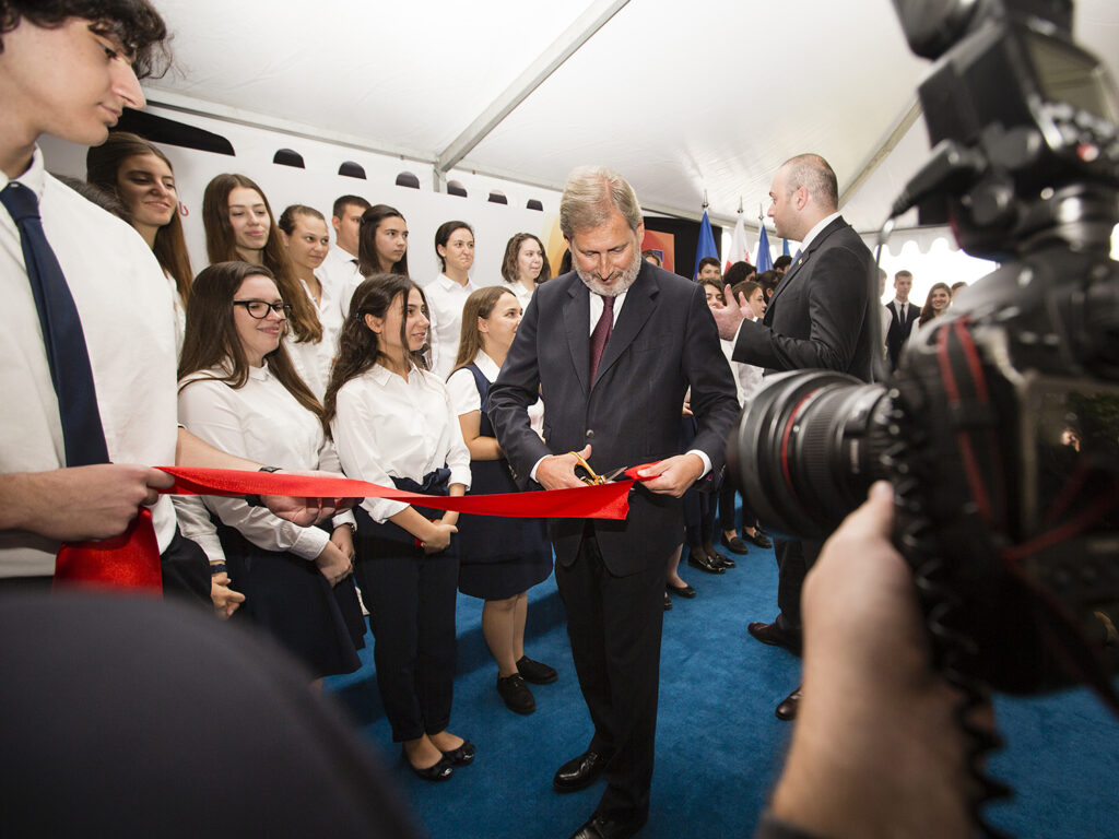hahn at eap school opening in tbilisi sept 2018 0