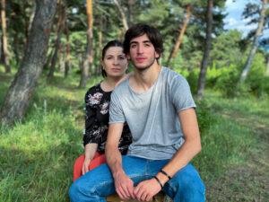 ლუკა ხაჩიძე დედასთან ერთად
